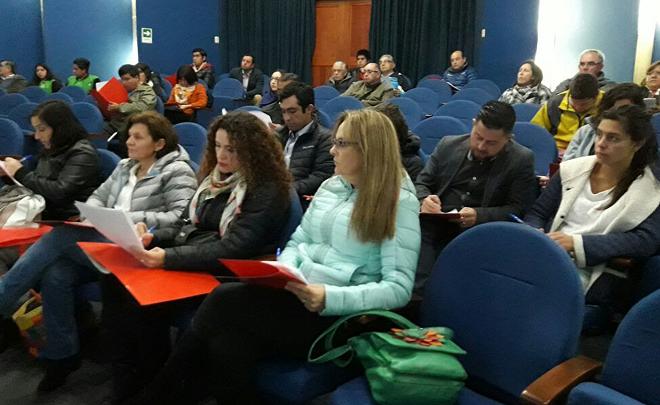 INACAP junto a Oficina Municipal de Fomento Productivo presentaron proyecto de Paraderos Inteligentes para promover educación ambiental y ERNC en Puerto Varas
