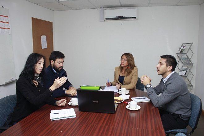 Autoridades de Gobierno en Los Ríos conocieron avance de proyecto de educación sobre buen uso de la Leña y contaminación atmosférica