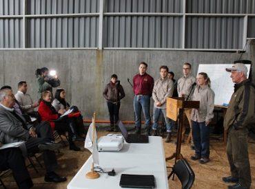 Con expertos candienses INFOR capacita a carpinteros de Ñuble para fomentar construcción en madera
