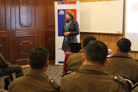 Seremi y Servicio de Salud Los Ríos realizaron primera capacitación a Carabineros en el manejo de casos de salud mental
