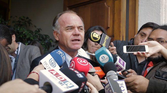 """Ministro Antonio Walker: """"Esperamos que Chile no se vea afectado por guerra comercial entre EE.UU y China"""""""