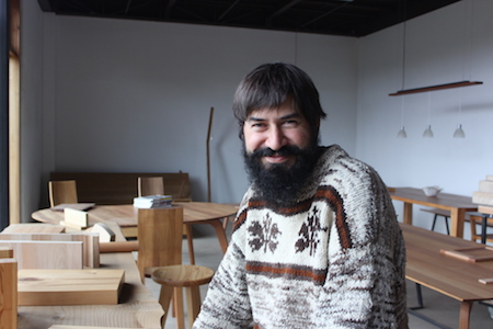 Mueblistas y carpinteros europeos capacitan a sus pares en Araucanía