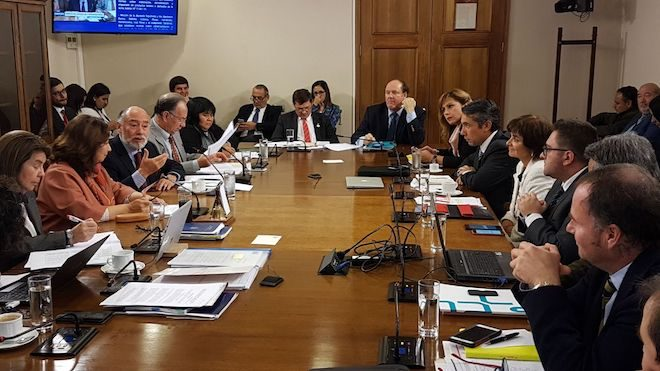 Diputado Flores junto a Comisión de Agricultura realizarán presentación a Fiscalía Nacional Económica por nuevas denuncias en mercado de la leche