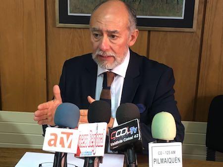 Diputado Flores reclamó al ministro de Economía y Subpesca para que abra registros de captura de jibia en Los Ríos