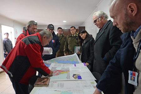Intendente Jürgensen recorre Ensenada y Petrohué en el marco de acciones preventivas por actividad del volcán Osorno