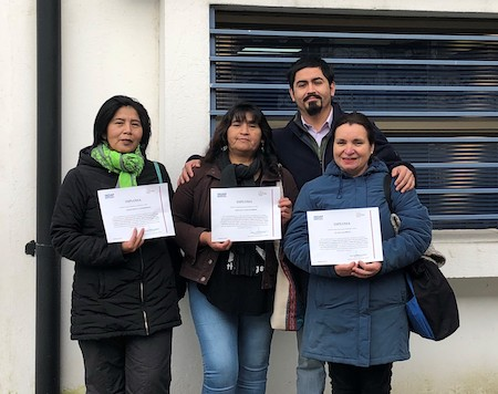 "Artesanas de Panguipulli se destacan en interesante proyecto ""Volver a Tejer"" de INDAP – PARIS"