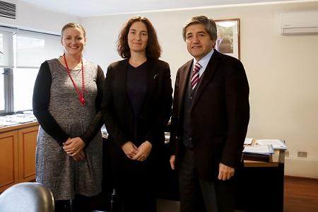 Director nacional de INDAP y embajadora de Nueva Zelanda en Chile analizan convenio de cooperación