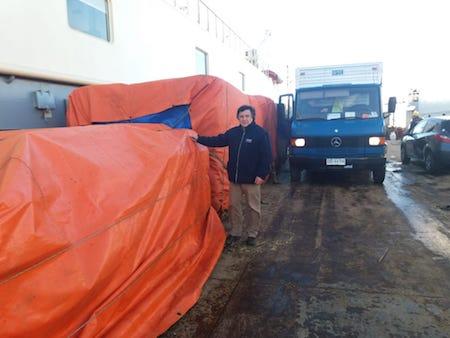 Ministerio de Agricultura a través de INDAP envía primera remesa de forraje para animales de la provincia Antártica Chilena
