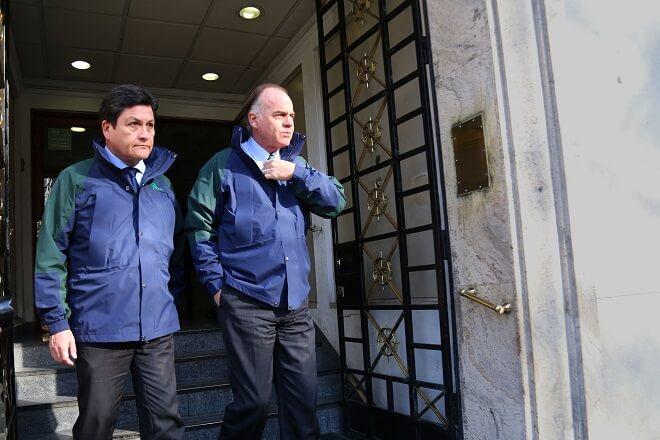 """Ministro Walker por trabajadores de Conaf: """"El hilo no se corta por el más débil"""""""
