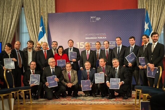 """Presidente Piñera recibe propuestas del Acuerdo Nacional por la Seguridad Pública: """"Hoy día hemos logrado algo importante, urgente para todos y cada uno de nuestros compatriotas"""""""