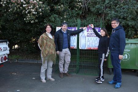Municipio continúa con entrega de jaulas para botellas plásticas