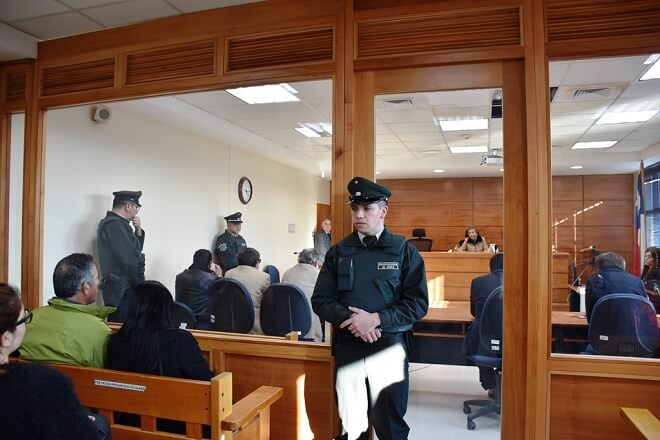 TOP de Valdivia condena a 20 años de presidio efectivo a ex oficial de la FACH como autor de parricidio