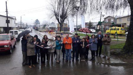 Vecinos y autoridades inauguraron nuevos espacios públicos para el barrio Gil de Castro y Calafquén en Valdivia