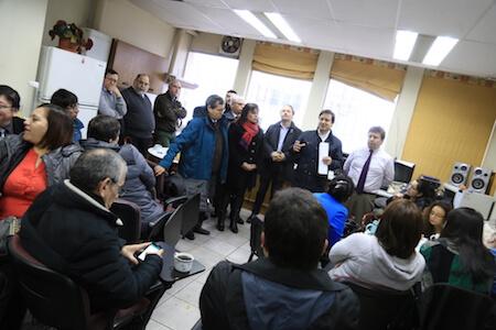 Diputado Rosas dialogó junto a trabajadores del SII movilizados de Valdivia