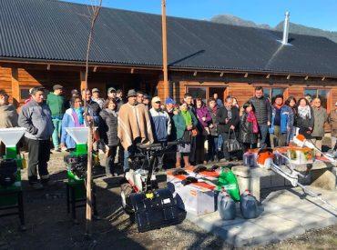Agricultores de Lago Ranco reciben incentivos de INDAP