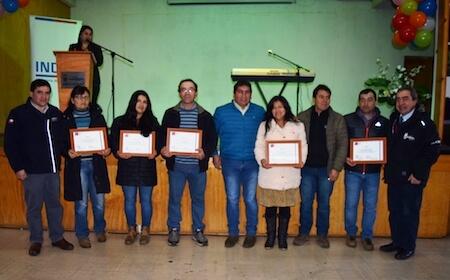 Pequeños productores de Mariquina recibieron reconocimientos por su destaco rol en la agricultura