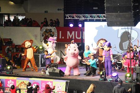 «Mi Perro Chocolo» congregó a cientos de familias en Coliseo de Valdivia