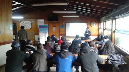 Seremi de Salud Los Ríos: realizaron taller de prevención de VIH e ITS en el Hogar de Cristo