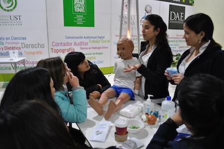 UST dicta taller de primeros auxilios a docentes de Curanilahue