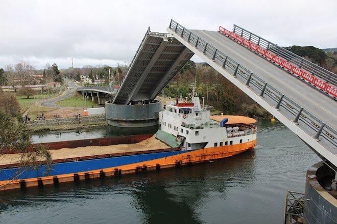 Puente Cau Cau abrirá sus tableros este sábado 29 de septiembre,para tránsito de dos embarcaciones