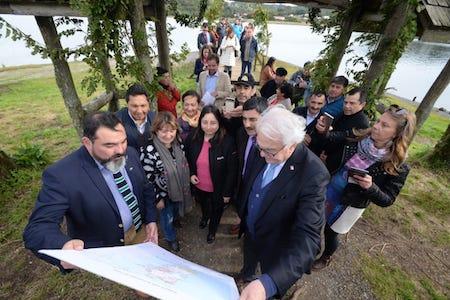 Intendente, seremis y autoridades de Los Lagos lanzan Zona de Interés Turístico para Chiloé
