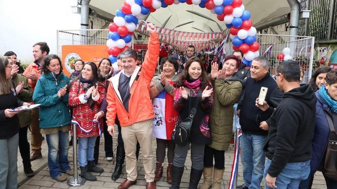 Inauguran Feria Dieciochera en paseo Camilo Henríquez de Valdivia