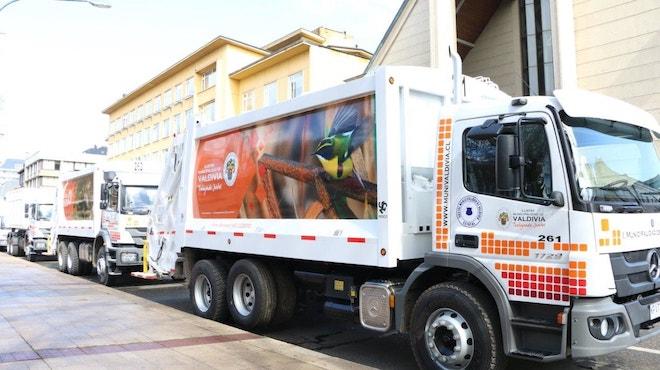 Inversión de $1770 millones renueva flota de camiones recolectores de basura en Valdivia