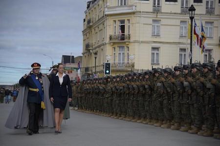Intendenta María Teresa Castañón presidió la tradicional Parada Militar del presente año