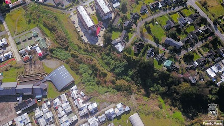 Convenio entre Municipalidad de Puerto Varas y Fundación Urbanismo Social permitirá convertir Quebrada Honda en parque urbano