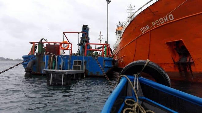 "Fundación Chinquihue destaca que descarga de nave Seikongen se ha realizado ""todo dentro de lo planificado"""