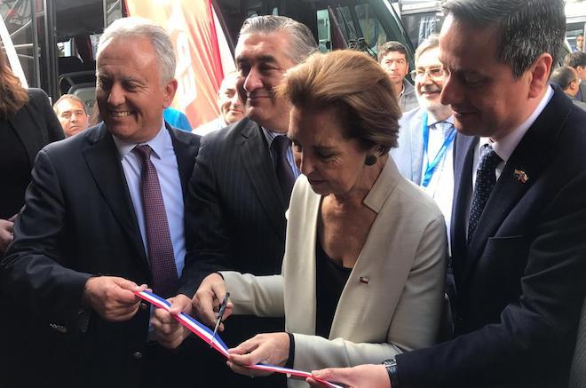Ministra Hutt inaugura feria de transportes y tecnología que incentiva la modernización de la flota
