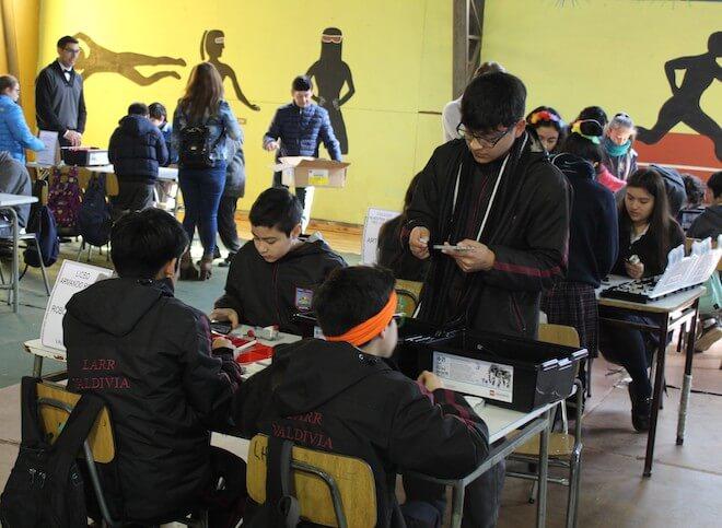 Liceo Armando Robles organizó el 2° Interescolar de Robótica