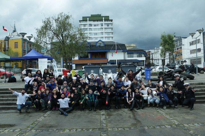 """""""Juntos limpiamos Los Ríos"""" reunió organizaciones y voluntarios para limpiar un sector del río Valdivia"""