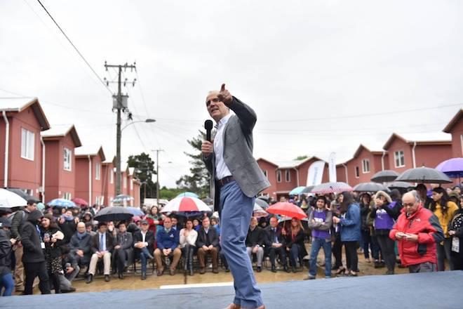 Ministro Cristián Monckeberg encabeza cierre definitivo de emblemático campamento Girasoles, en Valdivia