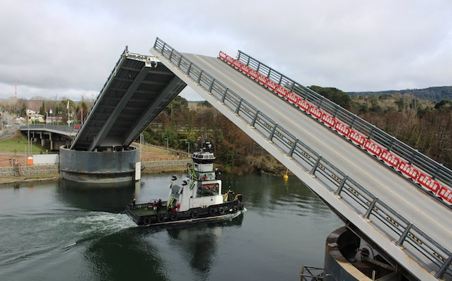 Apertura de puente Cau Cau para paso de nave Don Juan II, se adelantapara este sábado 20 de octubre