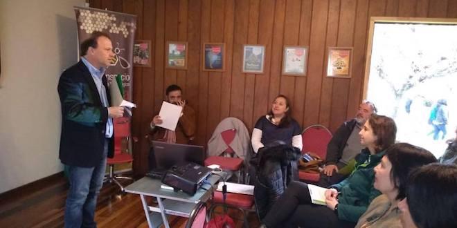 Senador De Urresti organizó seminario para productores orgánicos y apícolas