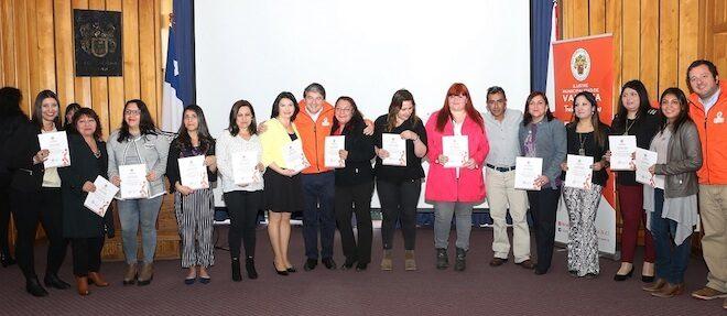 Municipalidad de Valdivia entregó formación en oficios y certificó a sus participantes