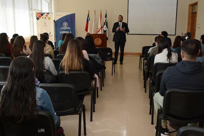 Universitarios identifican acciones para evitar y prevenir la violencia en el pololeo