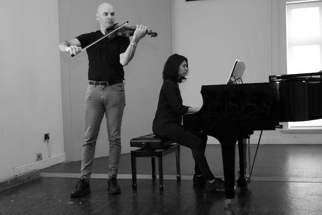 El violinista Dmitry Kolbasenkov y la pianista Catalina Arteaga ofrecerán Concierto en Valdivia