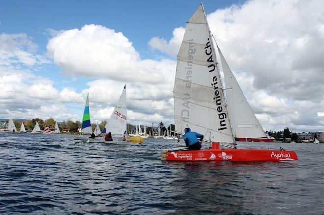 Club de Yates de la Universidad Austral organiza curso para aprender a navegar a vela