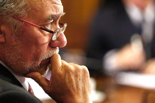 Diputado Flores respalda drástica decisión del general Hermes Soto