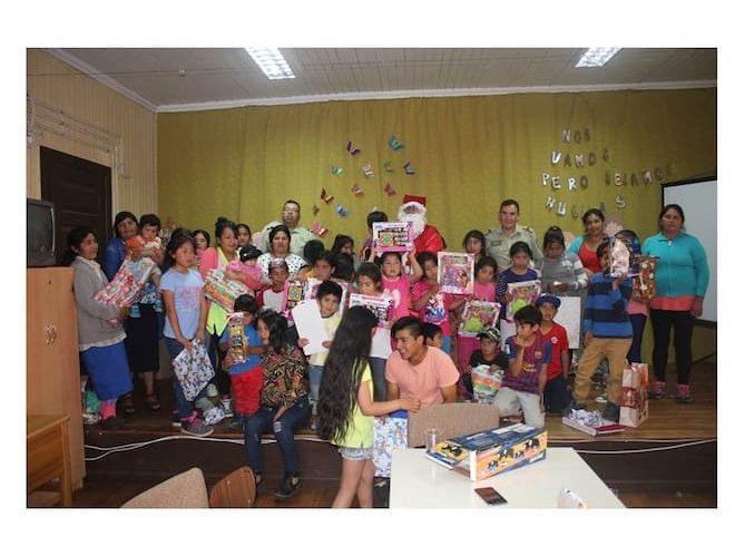 Carabineros de Patrulla de Atención a Comunidades Indígenas celebraron Navidad con niños de Trafún