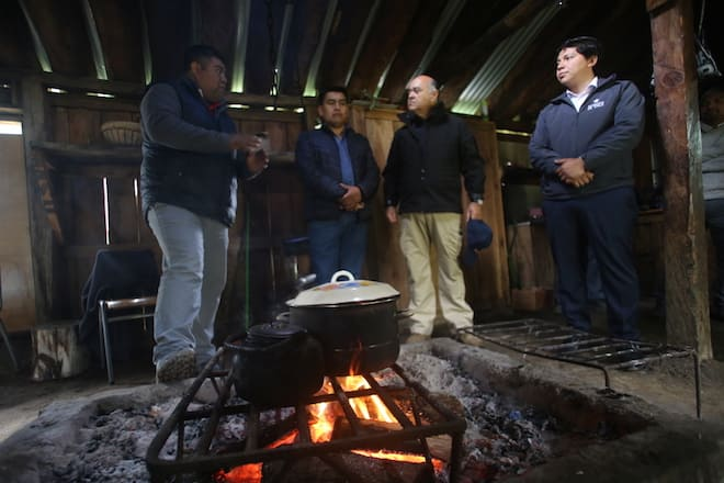 Intendente y autoridades del Biobío se reúnen con comunidades pehuenches en Ralco Lepoy