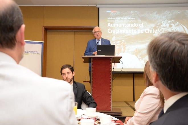 Autoridades participaron en seminario de inversión y productividaden Región de Los Lagos