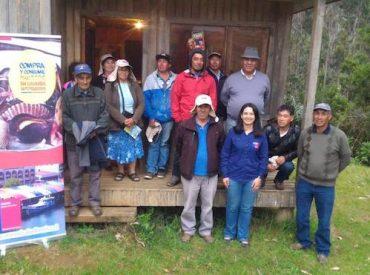 Autoridad sanitaria  se reunió con la asociación indígena de pescadores Rayen en Chan Chan comuna de Mariquina