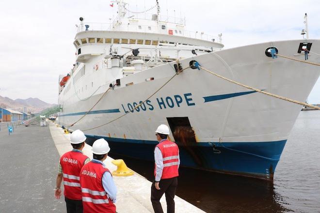 Aduanas apoya visita de buque biblioteca