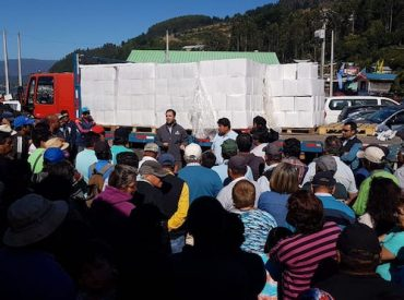Gobierno entrega apoyo social a 508 familias de pescadores artesanales de La Araucanía