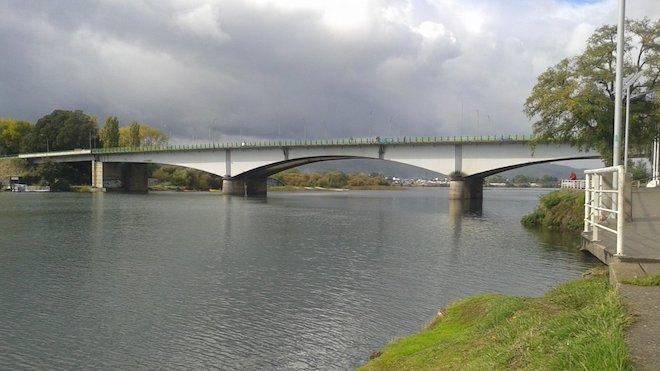 Berger ofició al ministro de Obras Públicas para que informe sobre eventuales riesgos en el puente Calle Calle