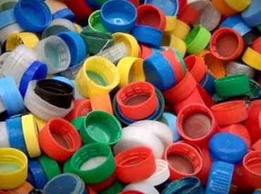 Campaña busca recolectar 10 mil tapas plásticas para mural ecológico en Yumbel