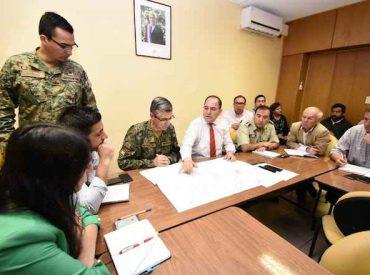Autoridades de Los Ríos coordinan trabajo con jefe de Defensa Nacional en zona afectada por incendios forestales